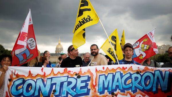 Proteste dei sindacati francesi al primo giorno di lavoro del nuovo parlamento, 27 giugno 2017 - Sputnik Italia