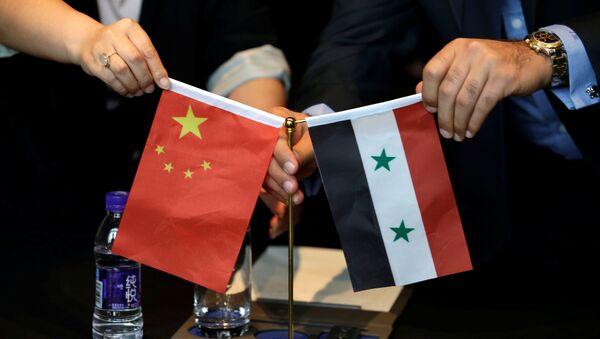 Bandiere di Cina e Siria - Sputnik Italia