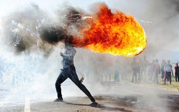Il reportage Proteste nella città di Grabouw di Phandulwazi Jikelo - Sputnik Italia