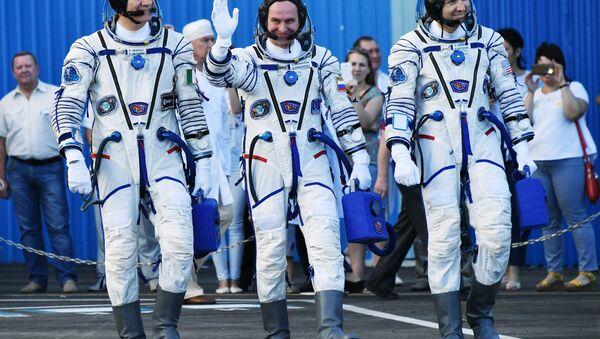 Equipaggio della navicella Soyuz MS-05 - Sputnik Italia