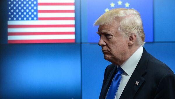 Donald Trump incontra i leader dell'UE a Bruxelles. - Sputnik Italia