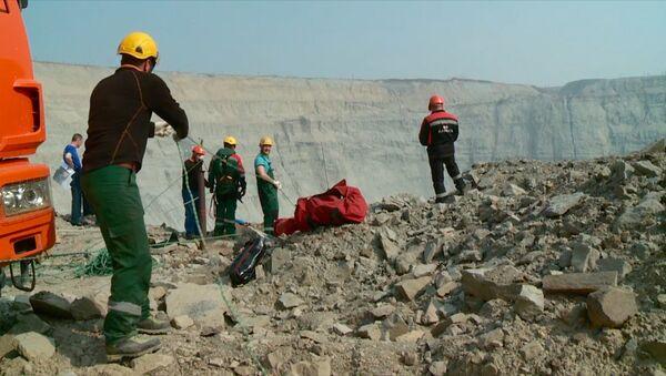 Inviati scalatori industriali per salvataggio minatori da miniere allagate in Jacuzia - Sputnik Italia