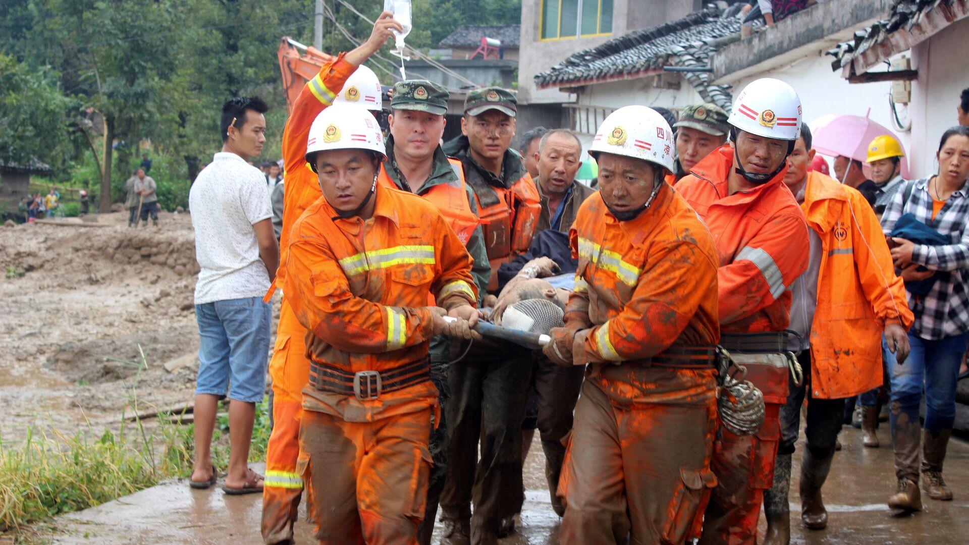 Cina, terremoto di 6.5 gradi colpisce provincia di Sichuan - Sputnik Italia, 1920, 17.09.2021