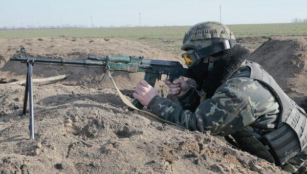 Soldato ucraino nel Donbass - Sputnik Italia