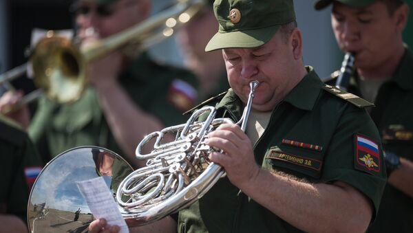 Un musicista della banda militare russa - Sputnik Italia