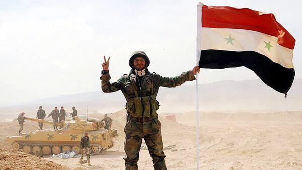 The Syrian army servicemen, broke the three-year siege of Deir ez-Zor, in the area of the 137th mechanized brigade in Syria - Sputnik Italia