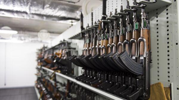 AK-47 Kalashnikov - Sputnik Italia
