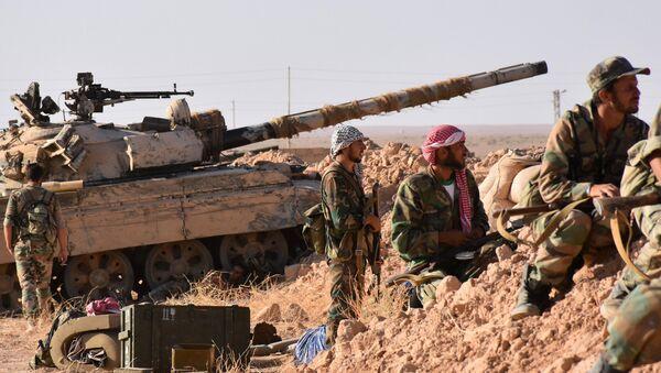 Forze governative siriane sul fronte di Deir ez-Zor - Sputnik Italia