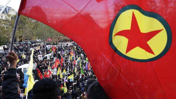 PKK-Flagge - Sputnik Italia