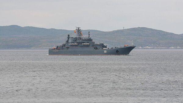 Большой десантный корабль Северного флота «Александр Отраковский» - Sputnik Italia