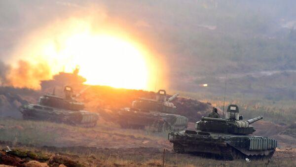 I carri armati T-72, Zapad-2017 - Sputnik Italia
