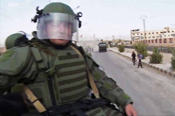 Specialisti russi sminano Deir ez-Zor. - Sputnik Italia