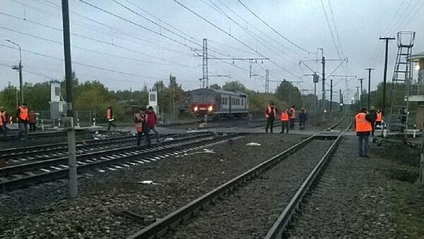 Un autobus con la targa del Kazakistan e un treno si sono scontrati ad un incrocio ferroviario nella regione di Vladimir - Sputnik Italia