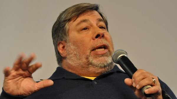 Apple Co-Founder Steve Wozniak Feels the Bern, Endorses Sanders - Sputnik Italia