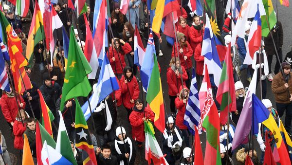 Carnival procession as part of 19th World Festival of Youth and Students - Sputnik Italia