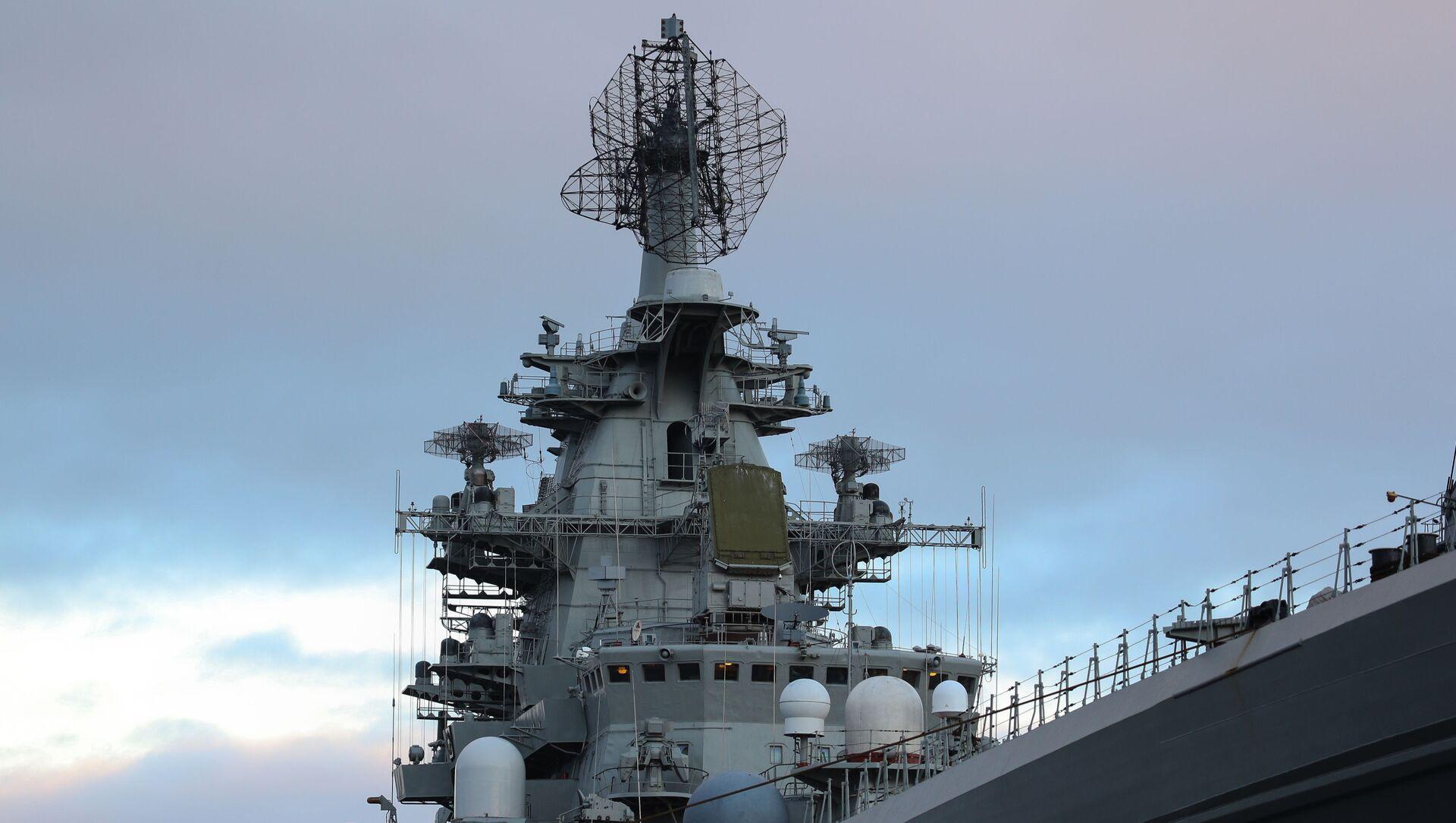 Атомный крейсер Петр Великий на причале Североморска - Sputnik Italia, 1920, 29.03.2021