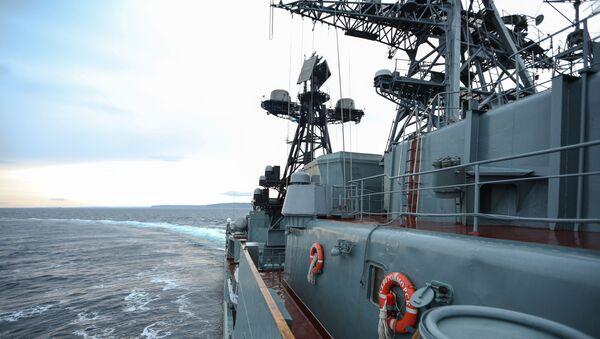 Большой противолодочный корабль Северного флота Североморск в водах Баренцева моря - Sputnik Italia