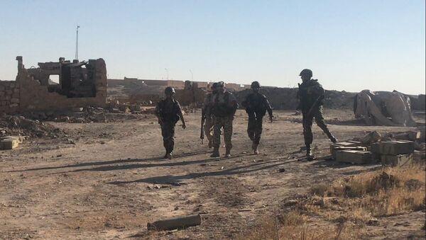 Un'offensiva dell'esercito siriano nei pressi di Deir-ez-Zor. Foto d'archivio. - Sputnik Italia