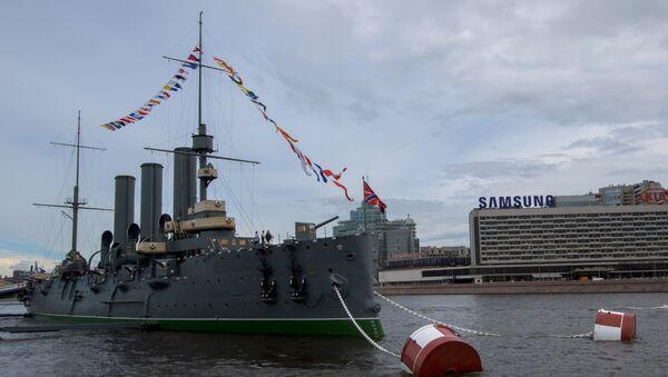 L'incrociatore Aurora a San Pietroburgo. - Sputnik Italia