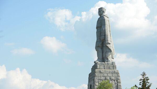 Il monumento al soldato-liberatore sovietico Alyosha - Sputnik Italia