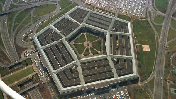 This is an aerial view of the five-sided Pentagon building, headquarters of the United States Department of Defense, in Arlington, Va., in 1975 - Sputnik Italia