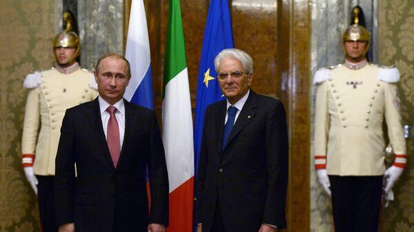 I presidenti di Russia e Italia, Putin e Mattarella. - Sputnik Italia