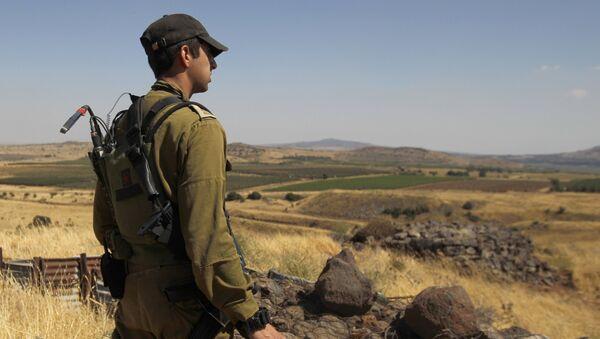 Soldato israeliano al confine con la Siria - Sputnik Italia