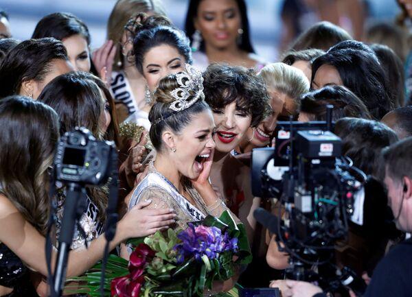 La rappresentatrice della Repubblica Centafricana Demi-Leigh Nel-Peters è diventata la Miss Universo 2017. - Sputnik Italia