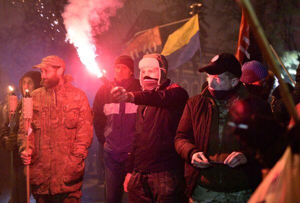 Gli attivisti dell'Euromaidan alla marcia a Kiev. - Sputnik Italia