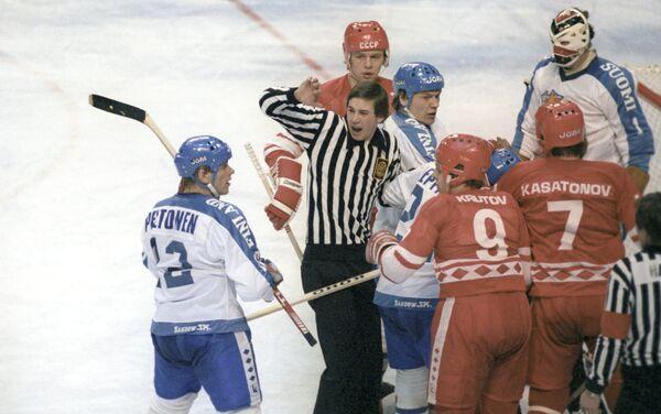 Una partita della nazionale dell'URSS di hockey alle olimpiadi invernali di Lake Placid 1980 - Sputnik Italia