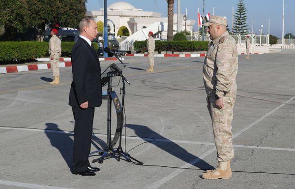 Putin nella base di Hmeymim in Siria - Sputnik Italia