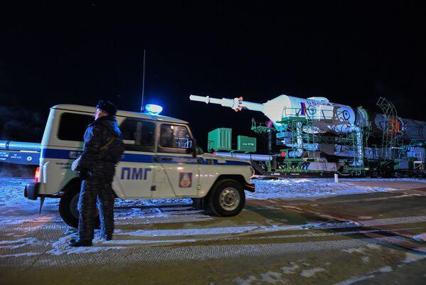 I razzi vettore Soyuz sulla rampa di lancio del Cosmodromo di Baykonur - Sputnik Italia