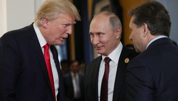 Il presidente russo Vladimir Putin e il presidente statunitense Donald Trump. - Sputnik Italia