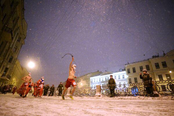 Partecipanti della corsa a San Pietroburgo. - Sputnik Italia