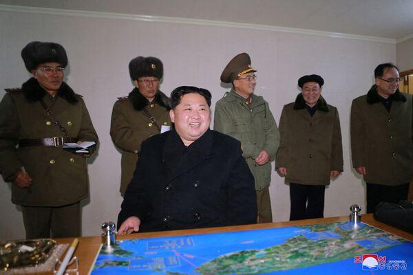 Corea del Nord, i francobolli dedicati al lancio del missile Hwasong-15 - Sputnik Italia