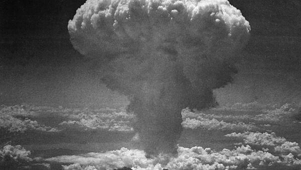 Fungo nucleare provocato dalla bomba atomica sganciata su Nagasaki il 9 agosto 1945. - Sputnik Italia