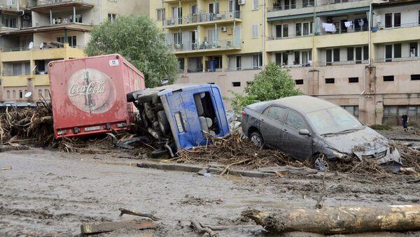 Macchine distrutte a causa dell'alluvione a Tbilisi. - Sputnik Italia