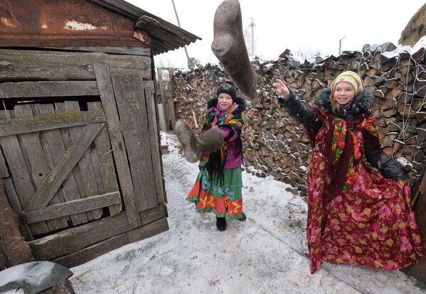 Giochi tradizionali in un villaggio di kazaki di Kidysh. - Sputnik Italia