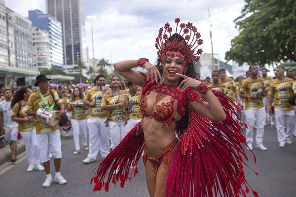 Una parata vicino alla spiaggia di Copacabana a Rio de Janeiro, Brasile. - Sputnik Italia