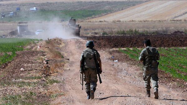 Турецкие военные на турецко-сирийской границе в районе города Килис - Sputnik Italia