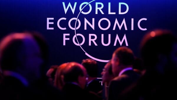 A logo of the World Economic Forum (WEF) is seen as people attend the WEF annual meeting in Davos, Switzerland January 24, 2018 - Sputnik Italia