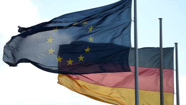 Bandiere della Germania e UE - Sputnik Italia