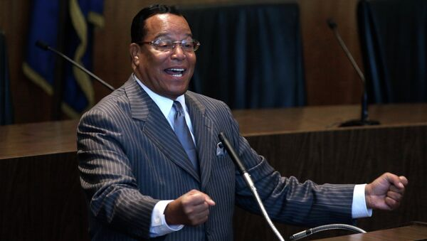 Nation of Islam leader Louis Farrakhan denounced the American flag as a symbol of racial violence Wednesday as he jumped into the debate over the use of the Confederate flag. - Sputnik Italia