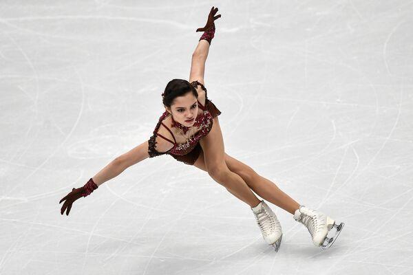 Evgeniya Medvedeva (Russia) al Campionato dell'Europa per il pattinaggio artistico a Mosca. - Sputnik Italia