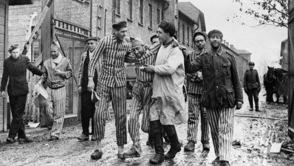 Il 27 gennaio 1945 le truppe sovietiche liberarono i prigionieri di Auschwitz - Sputnik Italia