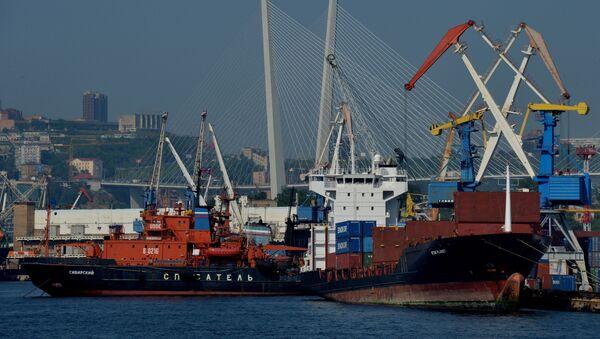 Il porto di Vladivostok - Sputnik Italia