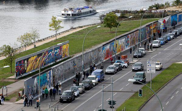 La veduta di una parte non distrutta del Muro di Berlino. - Sputnik Italia