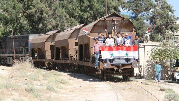 Treno in Siria - Sputnik Italia
