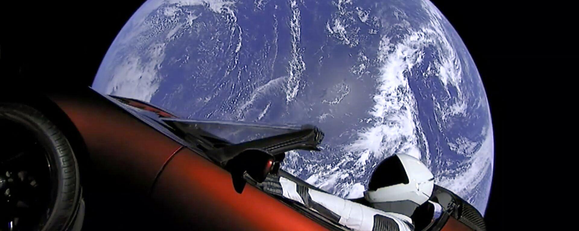 Il lancio della Tesla a bordo di una navicella SpaceX - Sputnik Italia, 1920, 17.01.2020