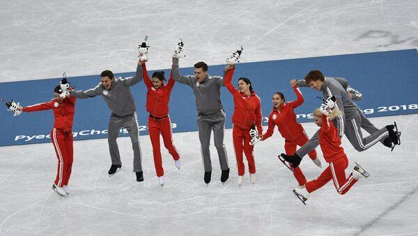I pattinatori russi hanno vinto l'argento di squadra alle Olimpiadi invernali - Sputnik Italia